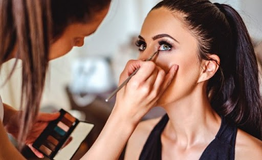 Advanced Makeup Artist Course